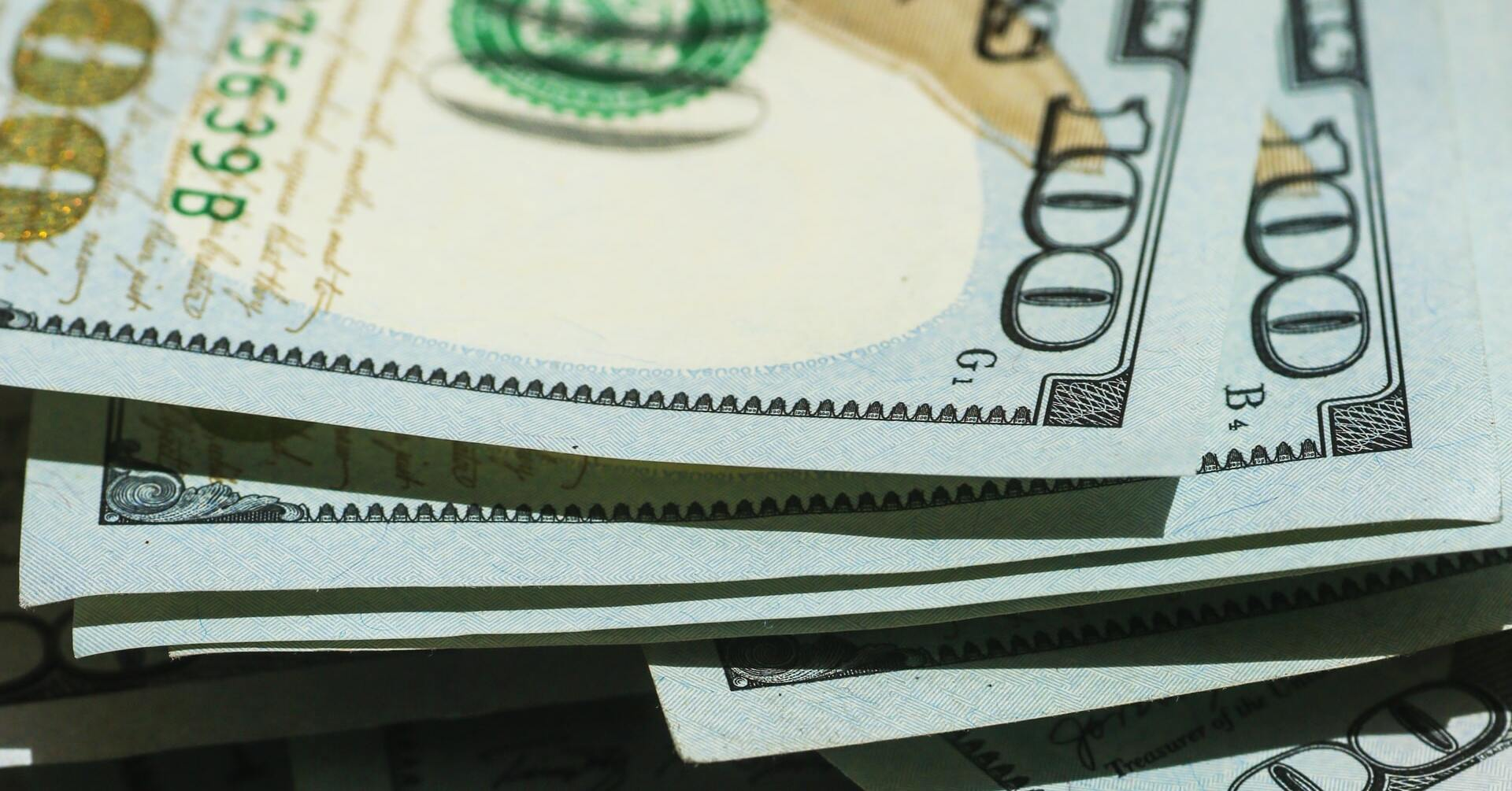 35歳で年収1000万円は勝ち組?平均年収や1000万超の割合を解説