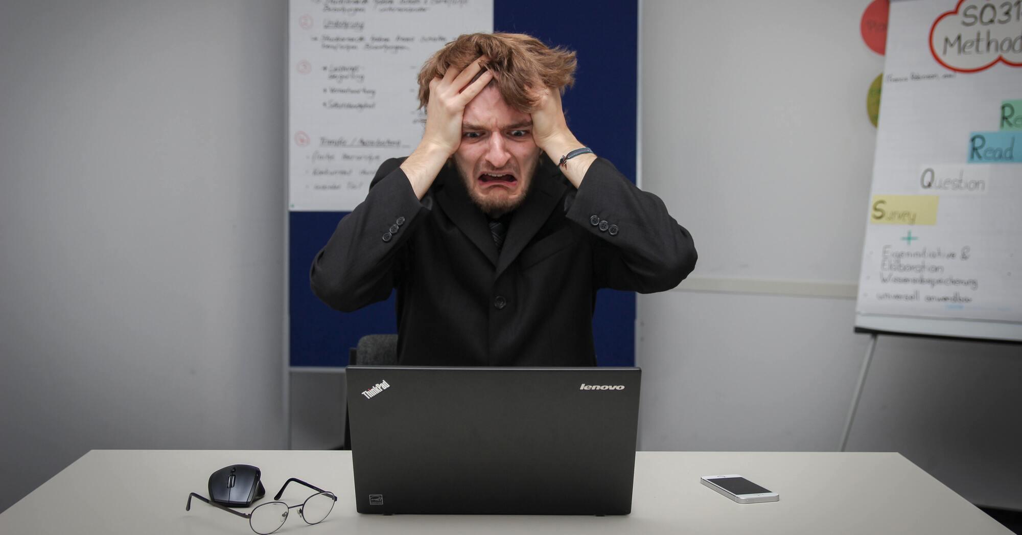転職エージェントに見捨てられる理由 見捨てられた時の対処法を解説