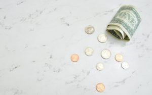 30歳で年収700万円は勝ち組?平均年収や700万超の割合を解説